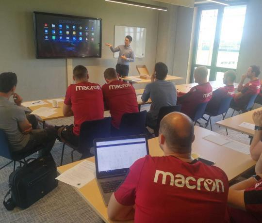Club Brugge Marcelis Clevertouch smart office Opleiding touchscreens