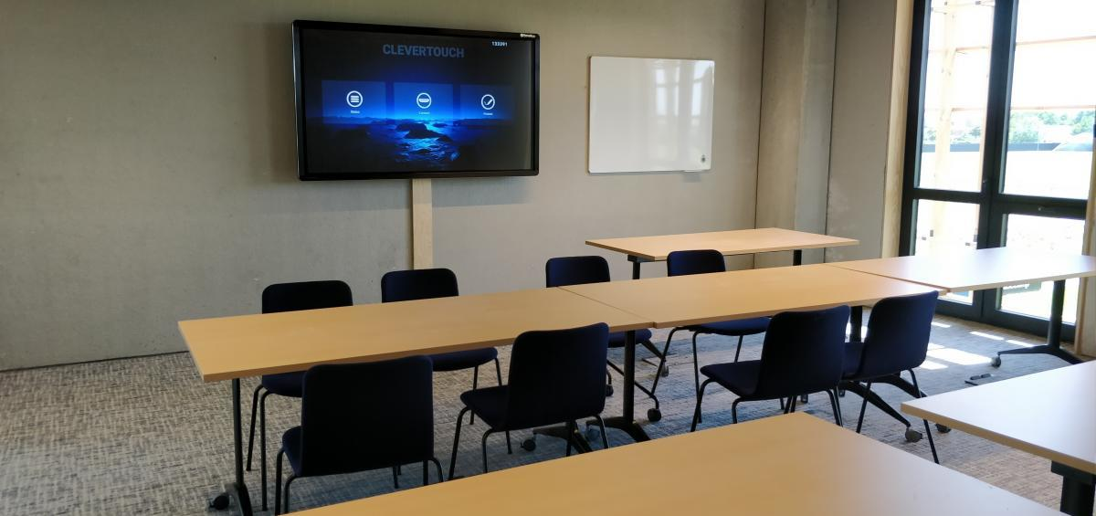 Club Brugge - Marcelis Smart Office - Clevertouch touchscreen - Belgie - Vlaams brabant - Klaslokaal