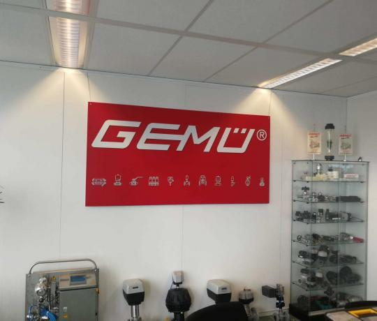 GEMU Valves CTOUCH laser nova 75 touchscreen Marcelis Halle Smart Office Aver cam
