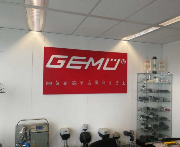 GEMU Valves CTOUCH laser nova 75 touchscreen Marcelis Halle Smart Office Aver cam