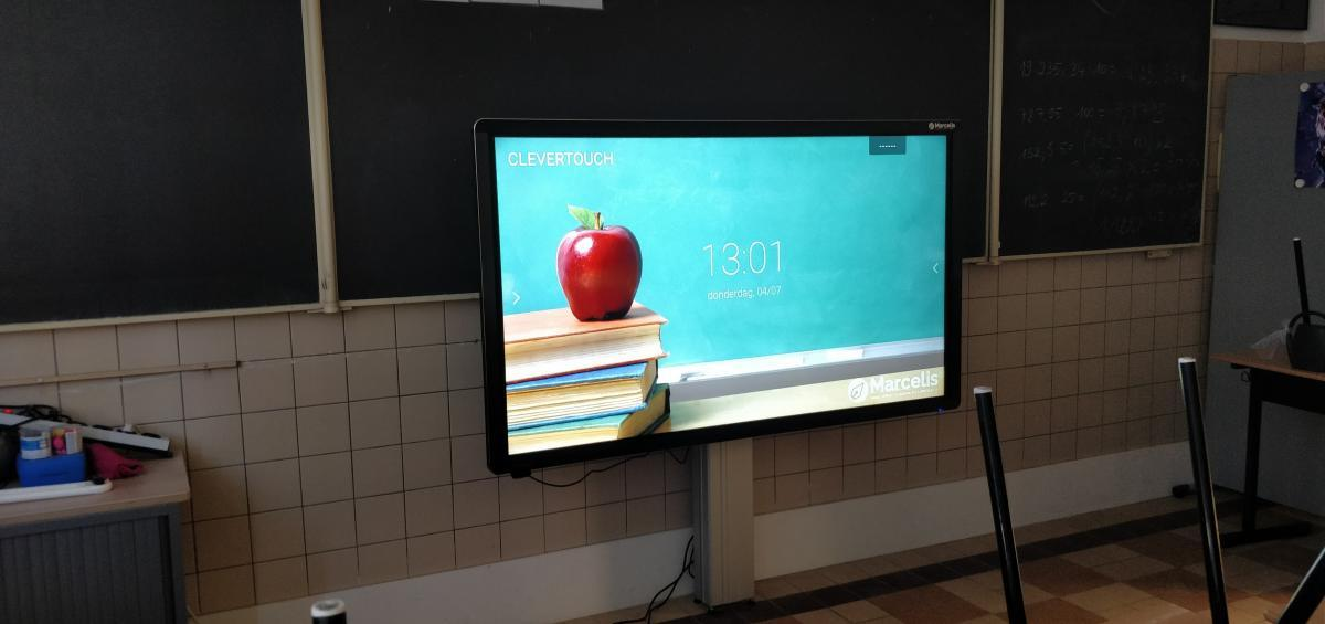 Clevertouch Plus 75 Smartboard educatie Scholengroep brussel Nellie Melba Marcelis School Smart Lagereschool
