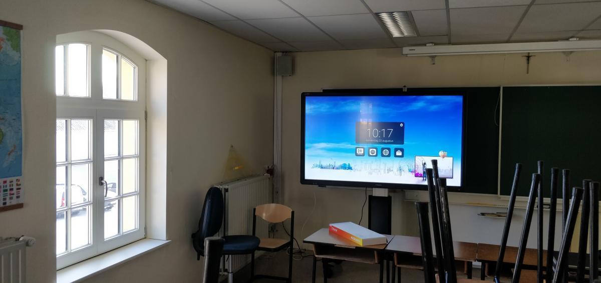 Ctouch laser sky 75 melle interactief scherm touchscreen College Melle klas Marcelis Halle Smart Office School touch